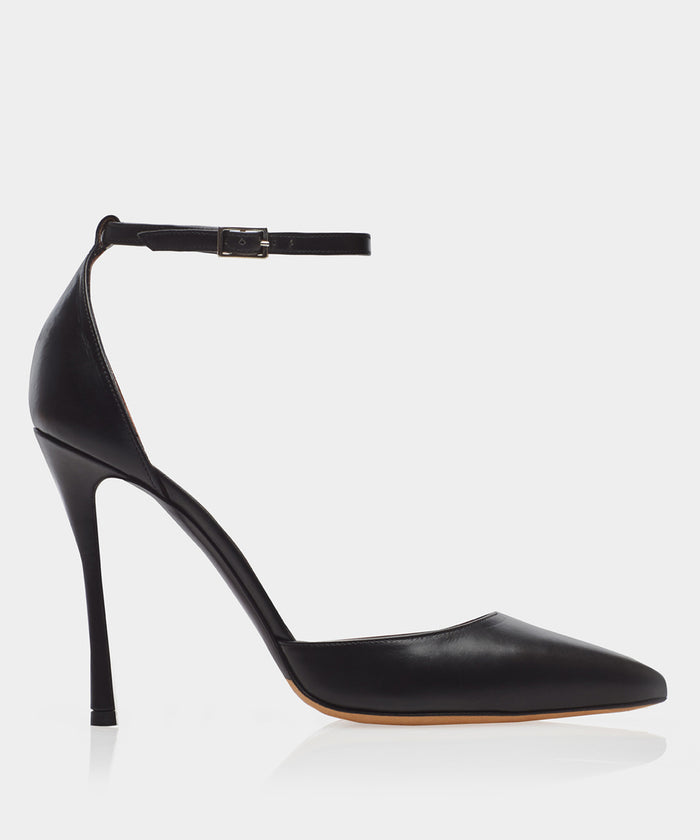 Alhambra Black Calf Point Toe Pump