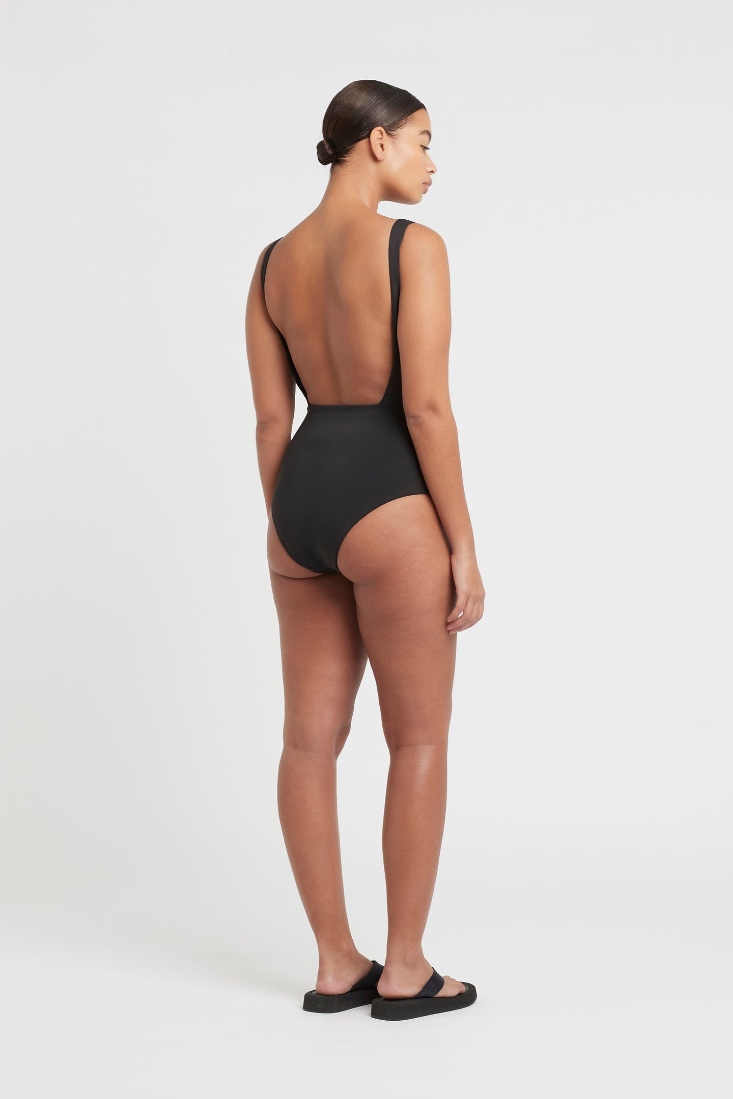SIR the label HENDRY SQUARE ONE PIECE BLACK