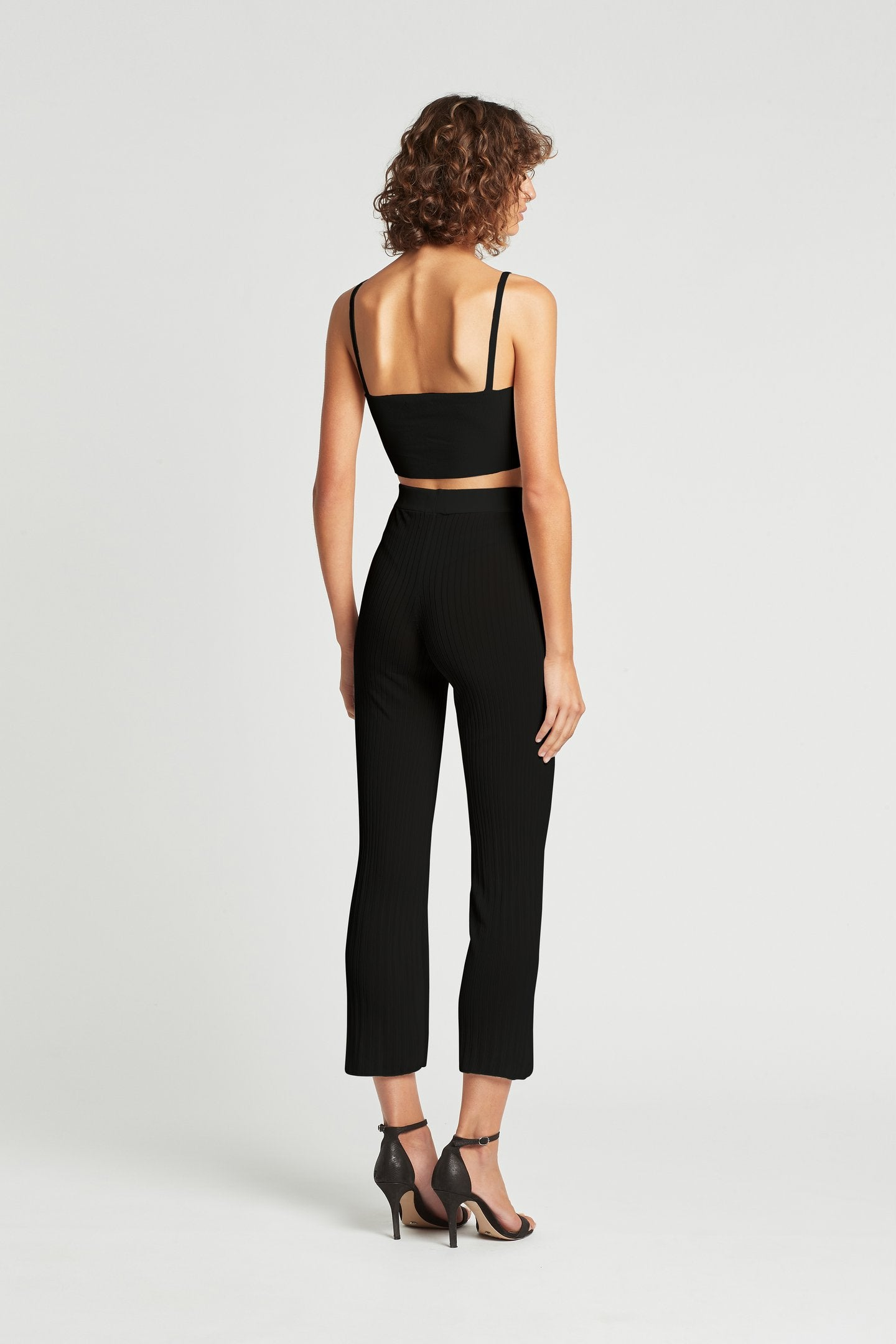 SIR the label ANNIKA CROP BLACK