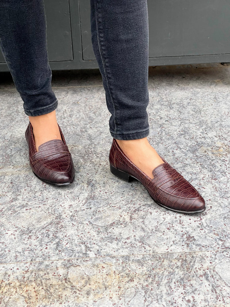 Women Leather Croc Patterned Loafers