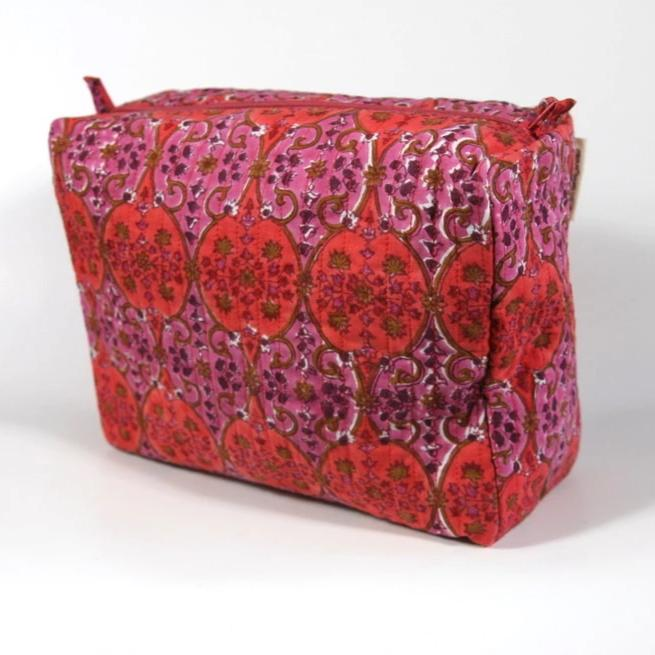 Travel Bag in Arabesque Hand Block Print