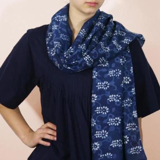Scarf in Hand Block Printed Cotton - Indigo Small Flower Motif