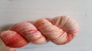 Millions of peaches Sock Yarn