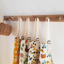 Load image into Gallery viewer, colourful-childrens-aprons
