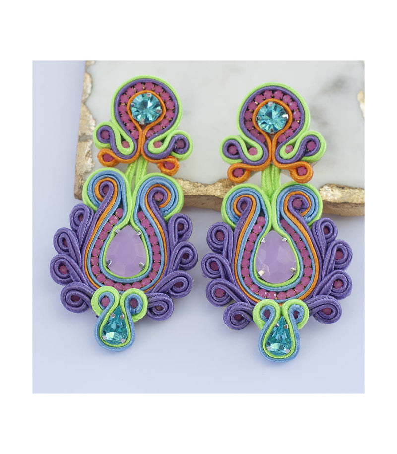 Lilly Lilac Pierced Earring