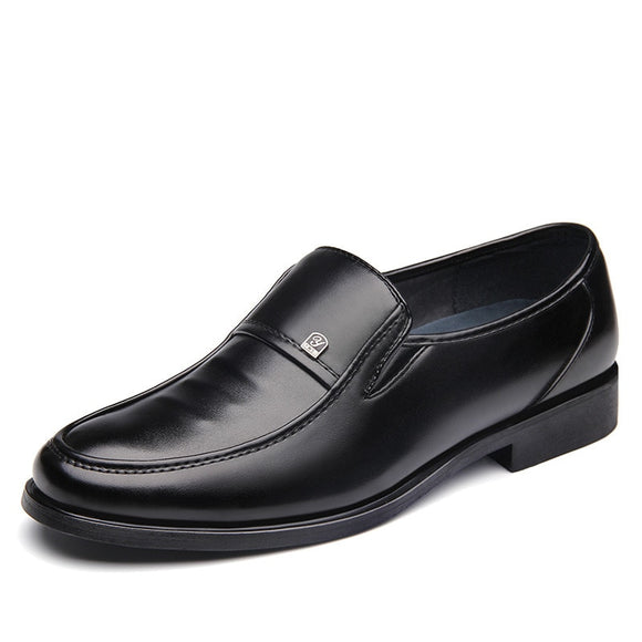 New Men Casual Business Faux Leather Shoes Pointed Toe Casual Flats Dress Shoes For Man Oxfords Brogues Spiked Zapatos