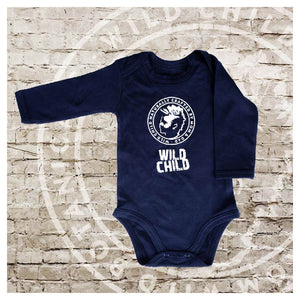 "BABY BODYSUIT WILD CHILD ""CRAFTED BY MOM AND DAD 6-12 MONATE"