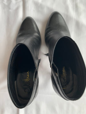 Cole Haan Ankle Boots in Black and Varnish Detail in the Back Size 39 (EU)