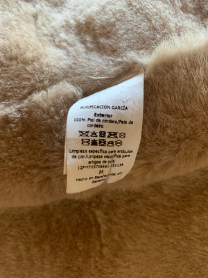 Purificación García Shearling Coat with Horn Toggle Front Closure Size M (INT)