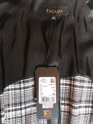 ESCADA Lapel coat with belt tied at the waist, plaid fabric with frayed details Size 36 (FR)