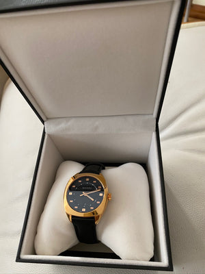 Gucci Gold-Tone Stainless Steel Case with a Black Leather Strap -  Model YA142408 with Warranty until 28/01/2022