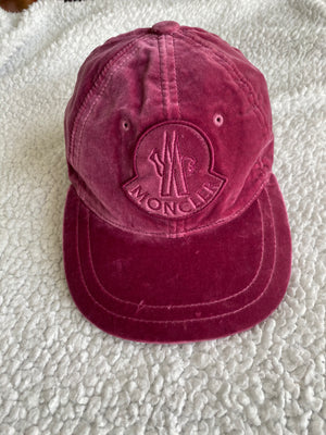 Moncler Cap in Plush Cotton Velvet in Dark Pink and Metal Clap with Logo Adjustable size 56 to 22 cm