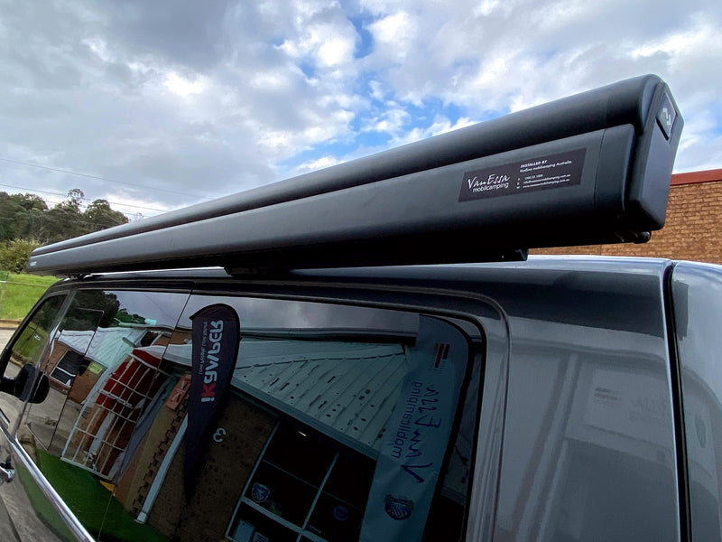 Dometic 3.0m wind-out Cassette Awning & Brackets for SWB or LWB Multivan, Transporter, & Caravelle