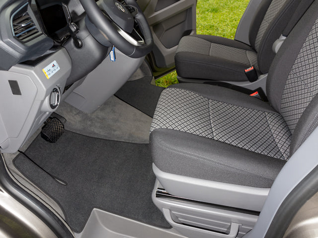 "Brandrup Velour carpet for the driver's cab with wheel arch step protection on the left, VW T6.1 left-hand drive with clip fastening, design ""titanium black"""