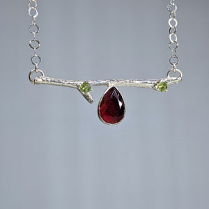 Branch Necklace in Sterling Silver with Carnelian and Peridot
