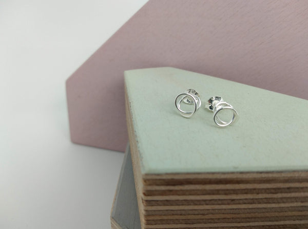studs made in sterling silver with twist design