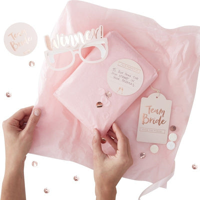 Hen do party game - Team Bride pass the parcel game - Hen party party games - Bride to be party game - Bridal shower games - Hen do games