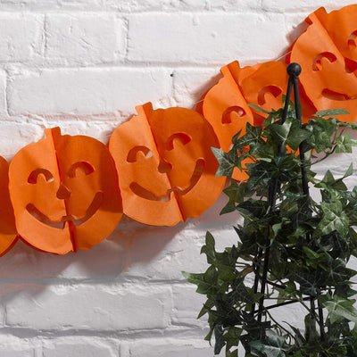 Halloween pumpkin garland - Orange pumpkin bunting - Halloween party garland - Halloween decorations - Tissue paper garland - 2.5m long