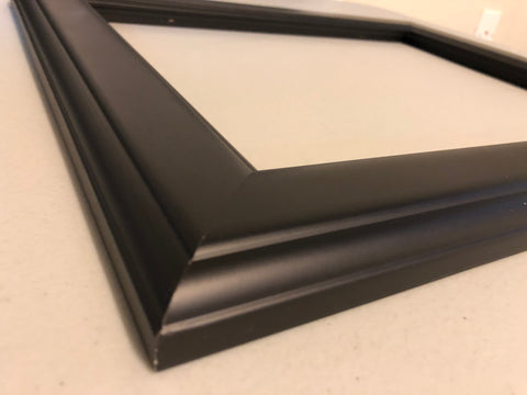 Close up of the edge of our Matte Modern frame.