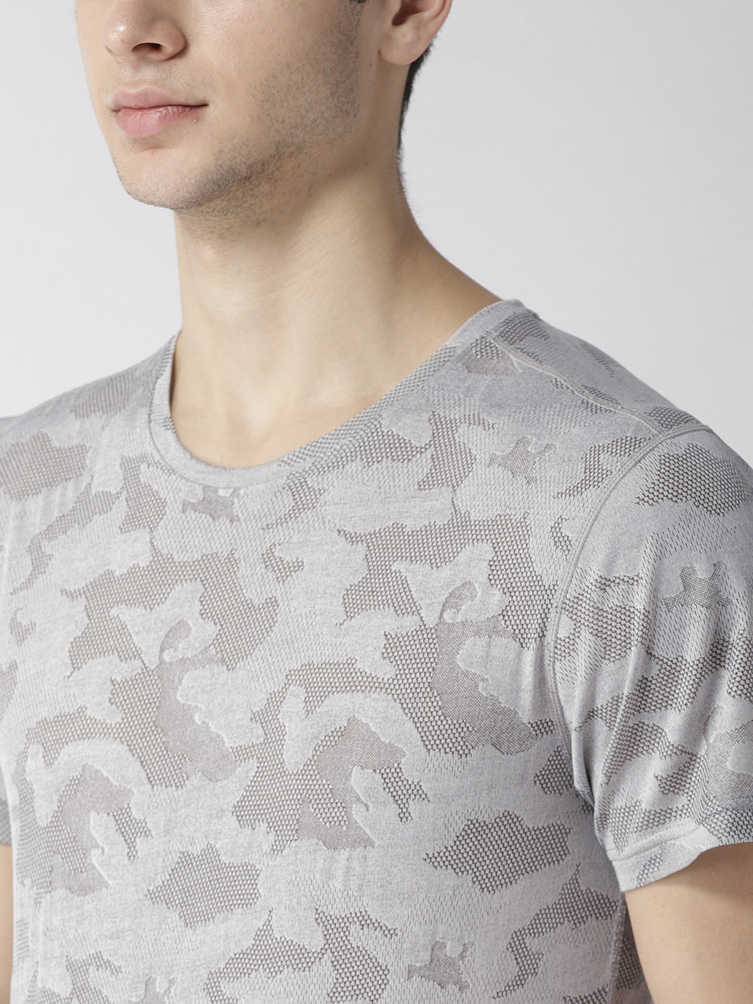 Men Grey Camouflage Pattern T-shirt