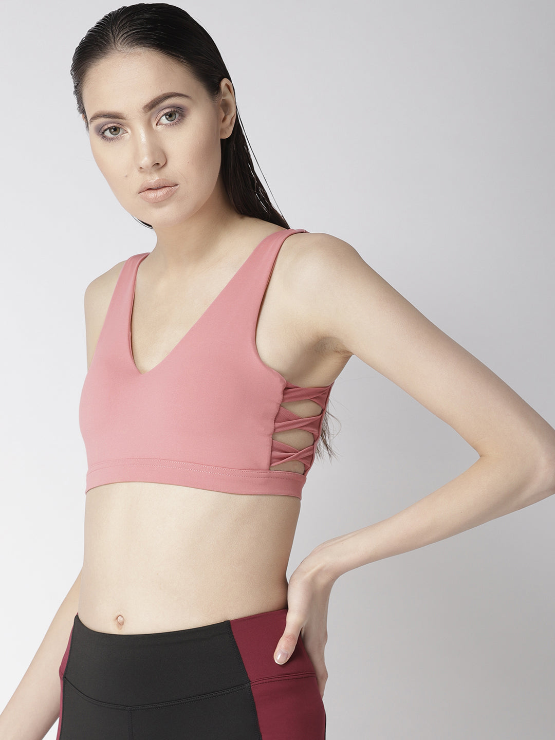 V-neck sports bra with side twist detailing