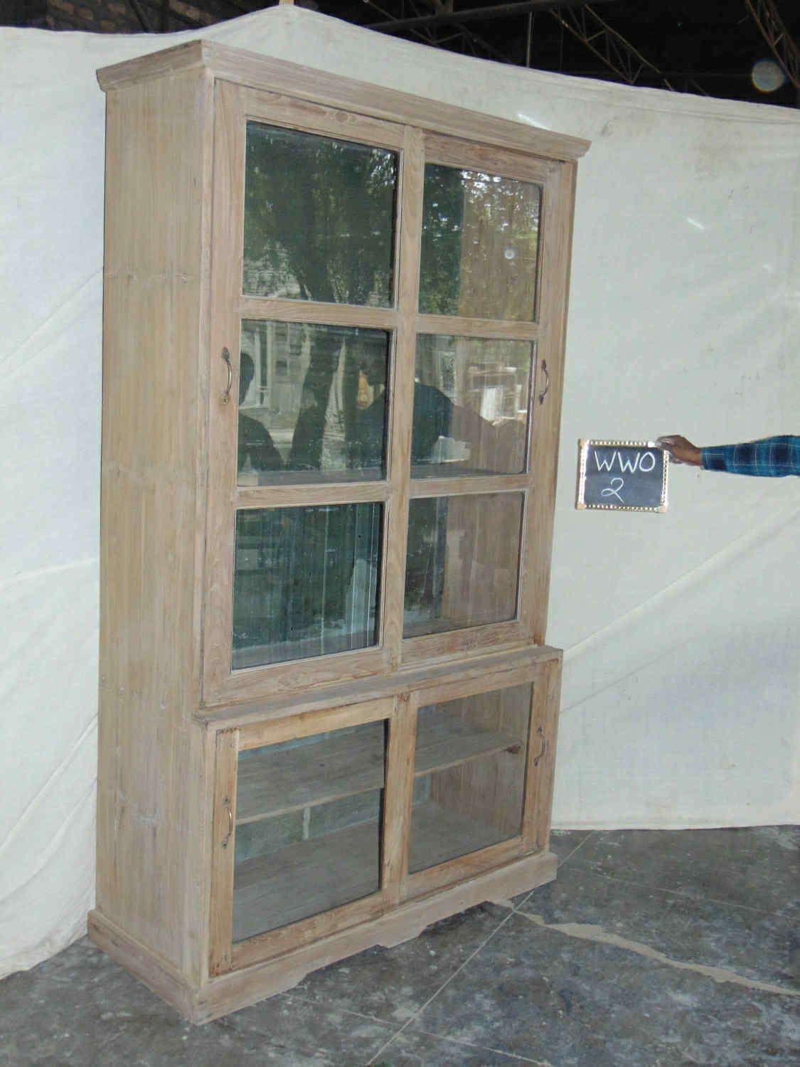 GLASS FTD. SLIDING DOOR CABINET
