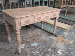 3 DRW. WRITING TABLE