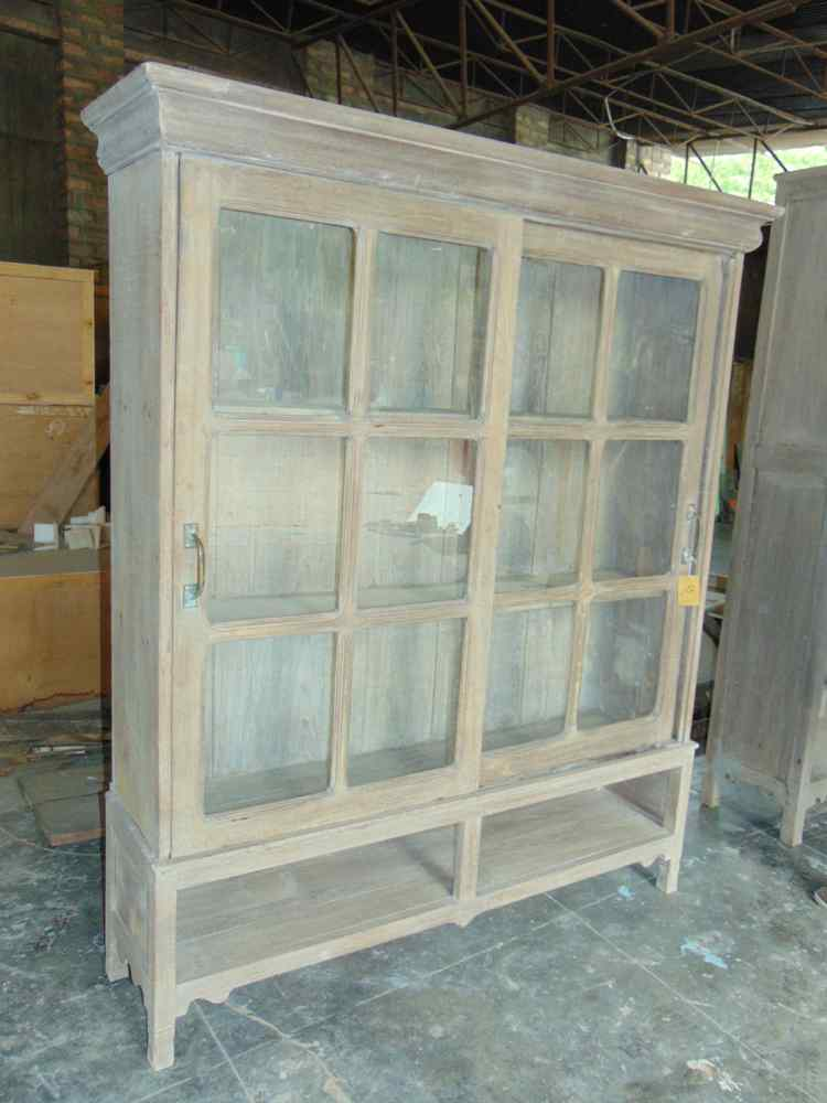 GLASS FTD. CABINET