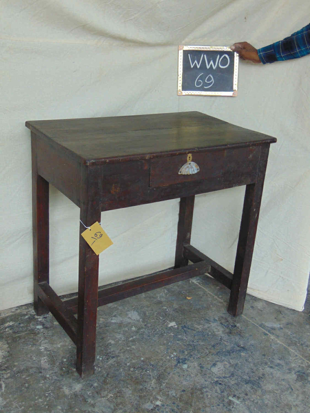 1 DRW. WRITING TABLE