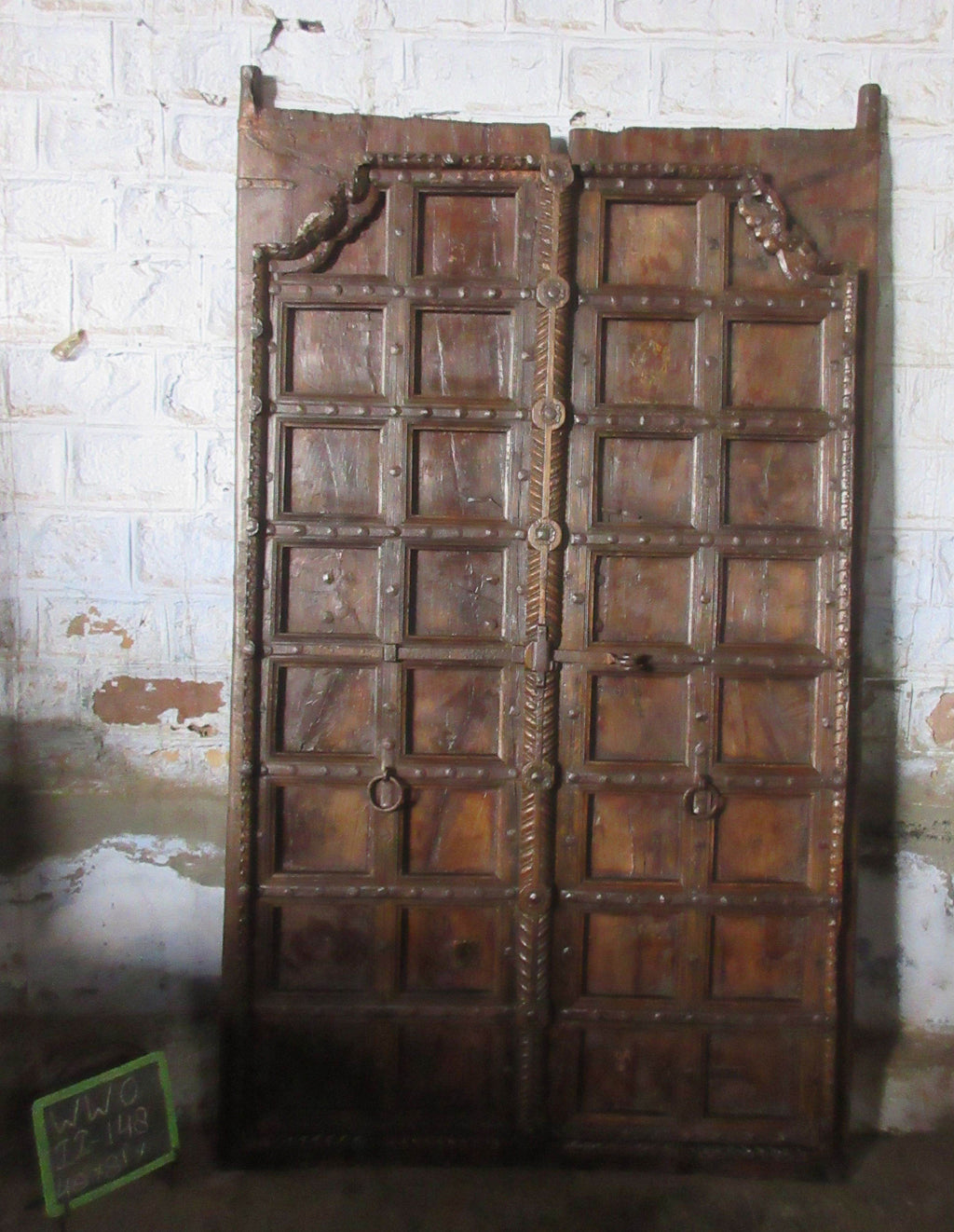 WOODEN DOUBLE DOOR W/OUT FRAME
