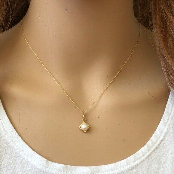 "14K Solid Gold Mini Square Pearl Pendant Dainty Necklace - Minimalist 16""-18"""