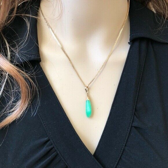 NEW 14K Solid Yellow Gold Eggplant Shape Green Jade Pendant
