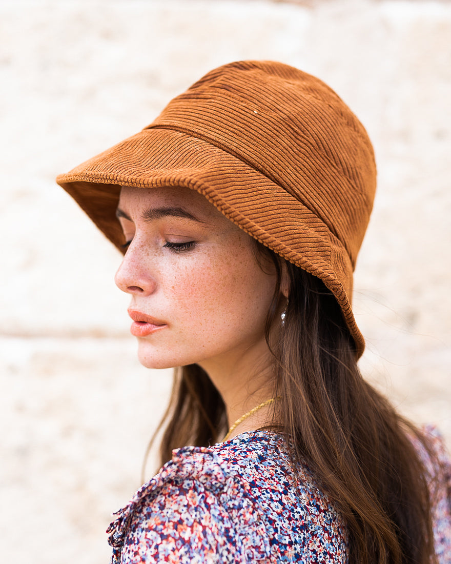 Bucket hat brown