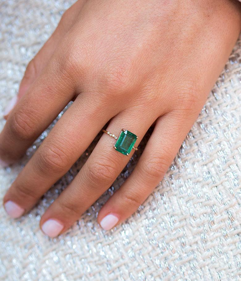 Large Starry Emerald Ring