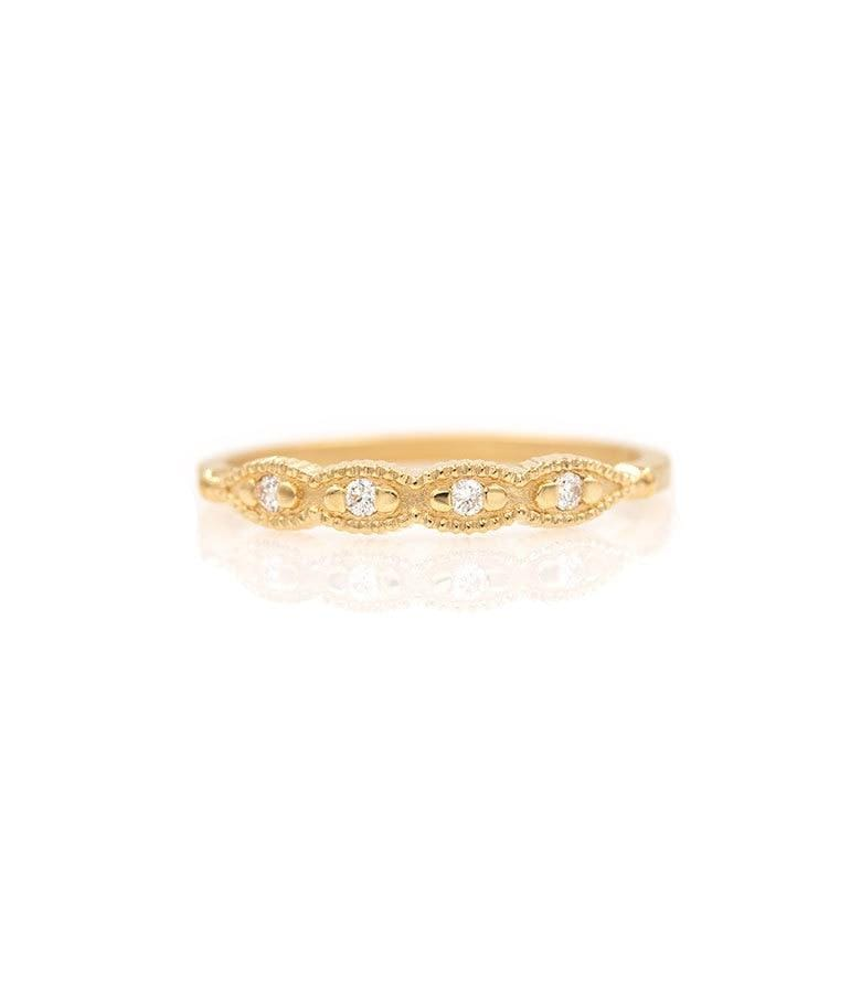 18k Scalloped Diamond Band