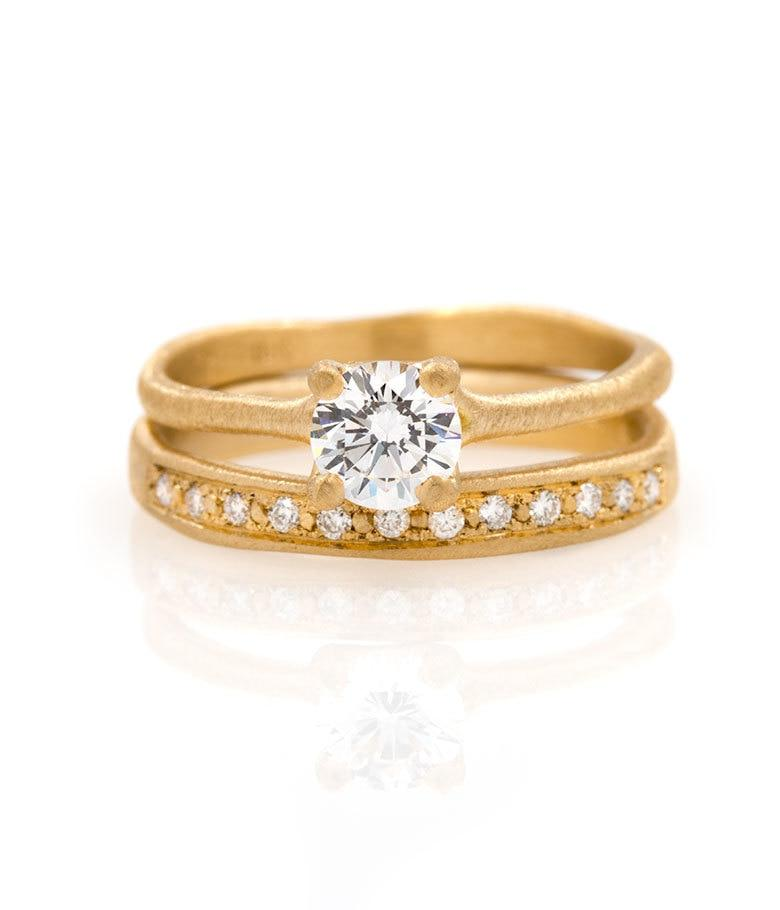 18k Prong Set Diamond Shimmering Set
