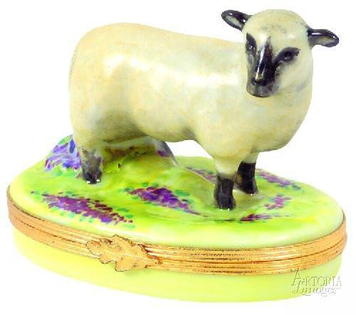 Sheep-sheep farm nativity-Artoria-Limoges Box Boutique