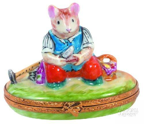 Field Mouse Snacking Limoges Boxes - Limoges Boxes Porcelain Figurines