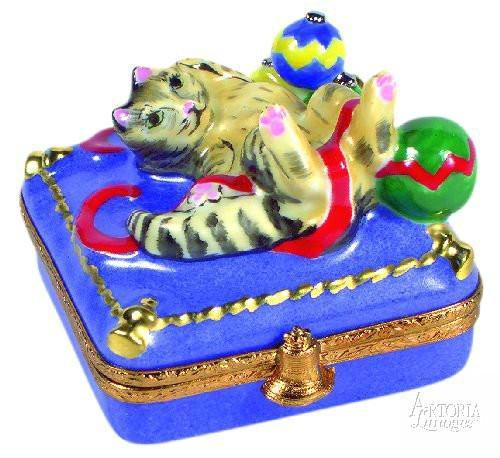 Christmas Kitty-christmas cat-Artoria-Limoges Box Boutique
