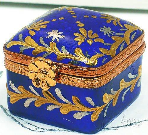 Mini Square-traditional-Artoria-Limoges Box Boutique