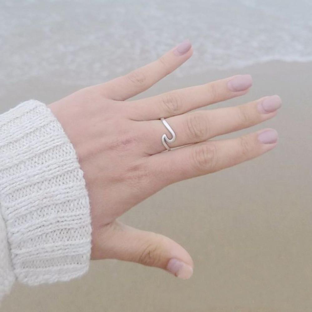 Women's Ocean Wave Ring - 3 Colors Inside - GoPositivo