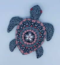 Load image into Gallery viewer, Ceramic Wall Honu