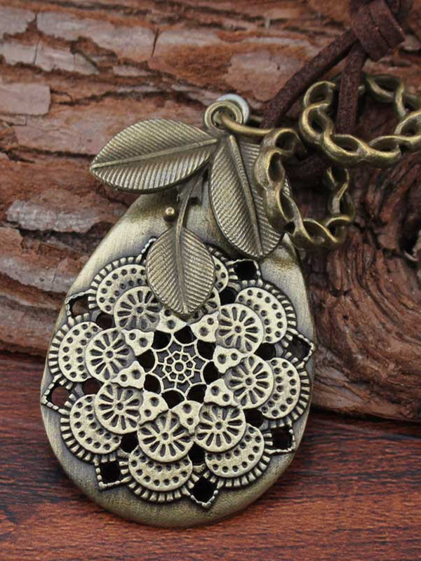 Handmade Leaves Alloy Sweater Vintage Necklace