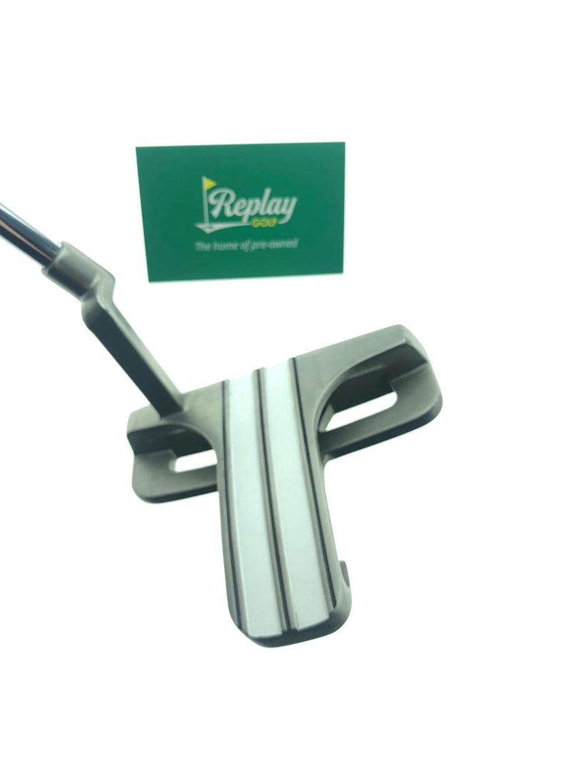 Odyssey White Hot XG Marxman Blade Putter / 34 Inch - Replay Golf