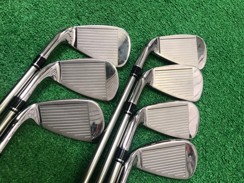 Wilson Staff D7 Iron Set / 4 - PW / Graphite Recoil 460 Regular Flex - Replay Golf