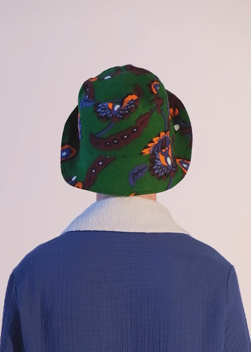 virtual nature hat green: sustainable 100% organic cotton bucket hat