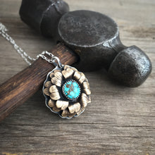 Load image into Gallery viewer, Golden Turquoise Bloom Necklace