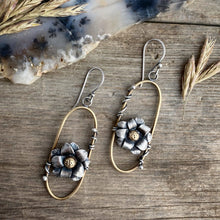 Load image into Gallery viewer, Twin Blooms Earrings