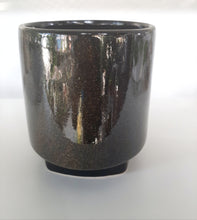 Load image into Gallery viewer, Gold speckled pot