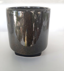 Gold speckled pot
